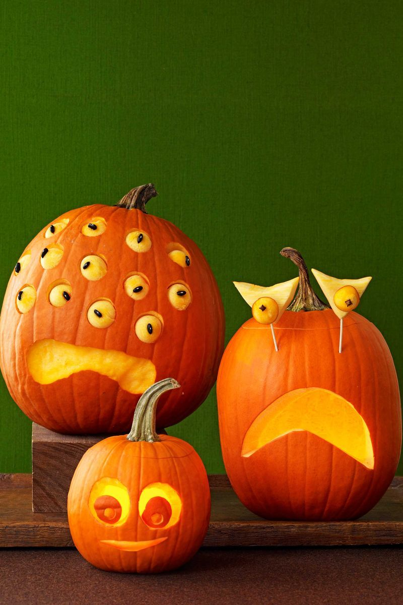 Easy Pumpkin Carving Ideas That Anyone Can Pull Off in Time for Halloween Get into the spooky spirit with these creative designs, made with beginners in mind.🎃🎃🎃  For more ideas, visit: https://t.co/UIK7mN1Yqz https://t.co/fBM4uqiVH4