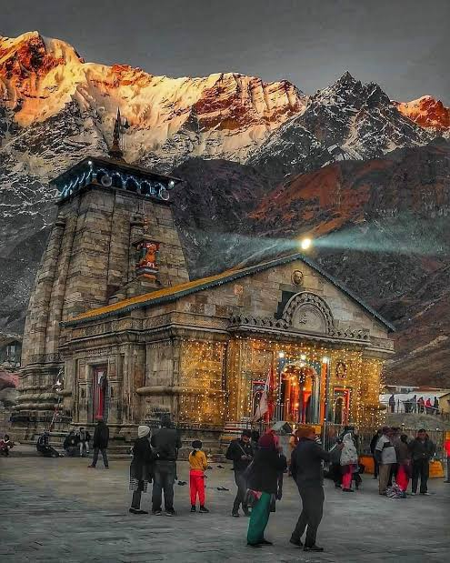 Tera दर  ho,Mera सर ho...🙇♀️ Mera दिल ho,Tera घर  ho...🚩 #mahadev #Kedarnath https://t.co/tSzKXdTsiX