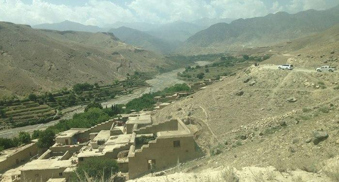 Roof Collapse Kills 4 Of A Family In Nangarhar #Afghanistan #Nangarhar Read more: reporterly.net/live/newsfeed/…