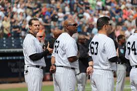 It's 63 days to Christmas with coaches Marcus Thames & PJ Pilittere & Jonathan Albaladejo! #LetsGoYankees #Yankees @RE2PECT2JETER @judgemania99 @ccyankeechick82 @Mischa_SuitsFan @iLetsPlayBall @GeorgeFalkowski  @AlexKielar @RustyRages  #NYYFORNY #PINSTRIPEPRIDE https://t.co/u18g2rDz7w