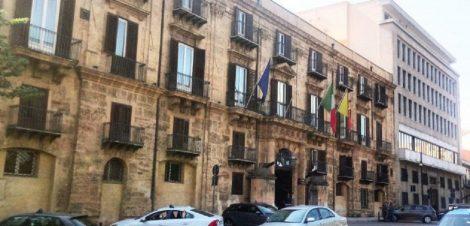 La Regione siciliana assume 1340 lureati e diplomati, in giunta i bandi di concorso - https://t.co/XbbCEMlQEF #blogsicilianotizie