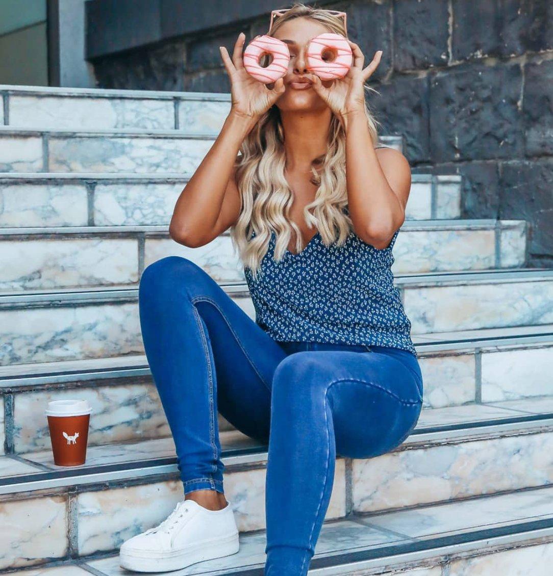 https://t.co/GTIeayqNt6 . #homewithfreddy #freddy #winterfashion #bootyshaping #charlidamelio #addisonrae #tiktok #style #fashion #leatherpants #denim #highwaisted #jeans #lockdown #quaratine  #sale #blackfriday https://t.co/AaLEb0nmti