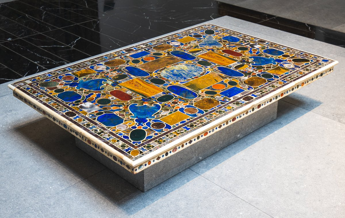 This colourful tabletop belonged to the Medici family, the reigning dynasty of Florence, that used its vast trading network to amass a collection of precious and semi-precious stones.  👁 Discover it in the Museum Galleries, Gallery 7.  #LouvreAbuDhabi #MindfulMuseum https://t.co/zih8KGephD