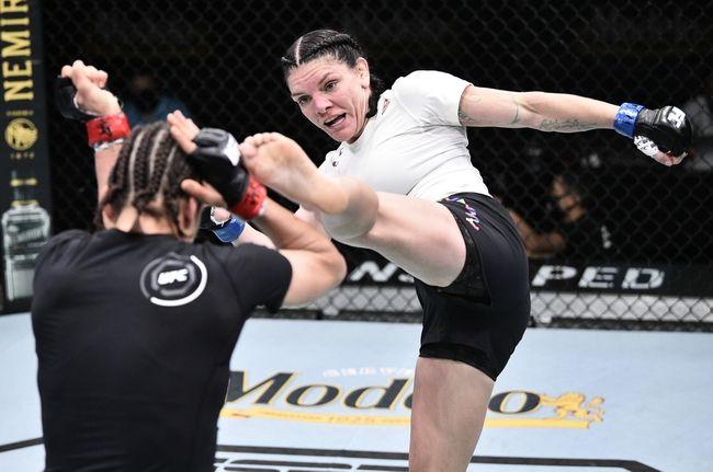 UFC 254: Liliya Shakirova vs. Lauren Murphy Picks, Odds, and Predictions https://t.co/HSEqYQzKXG #ufc #ufc249 #ufcfl #ufcjax #ufcfightnight #ufc176 #ufcvegas #ufc250 #ufcapex #gamblingtwitter #bettingtwitter #bettingtips #freepicks #espn #UFC254noCombate #ufc254 #bettingpicks https://t.co/SZ48VzLEya