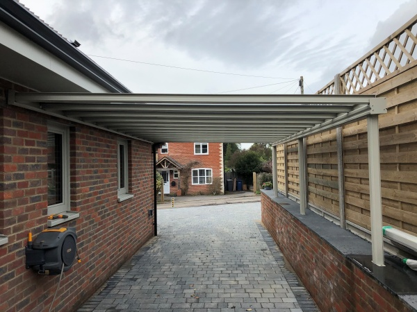 Our #Simplicity16 is the #Ideal system for Cost Effective #Carports and #Garden #Canopies. With speedy installation, an all #Aluminium system with triple wall 16mm #polycarbonate sheeting our structures are #strong and practical, find out more here > > https://t.co/A5H3OtqhYN https://t.co/pFQUt87LbC