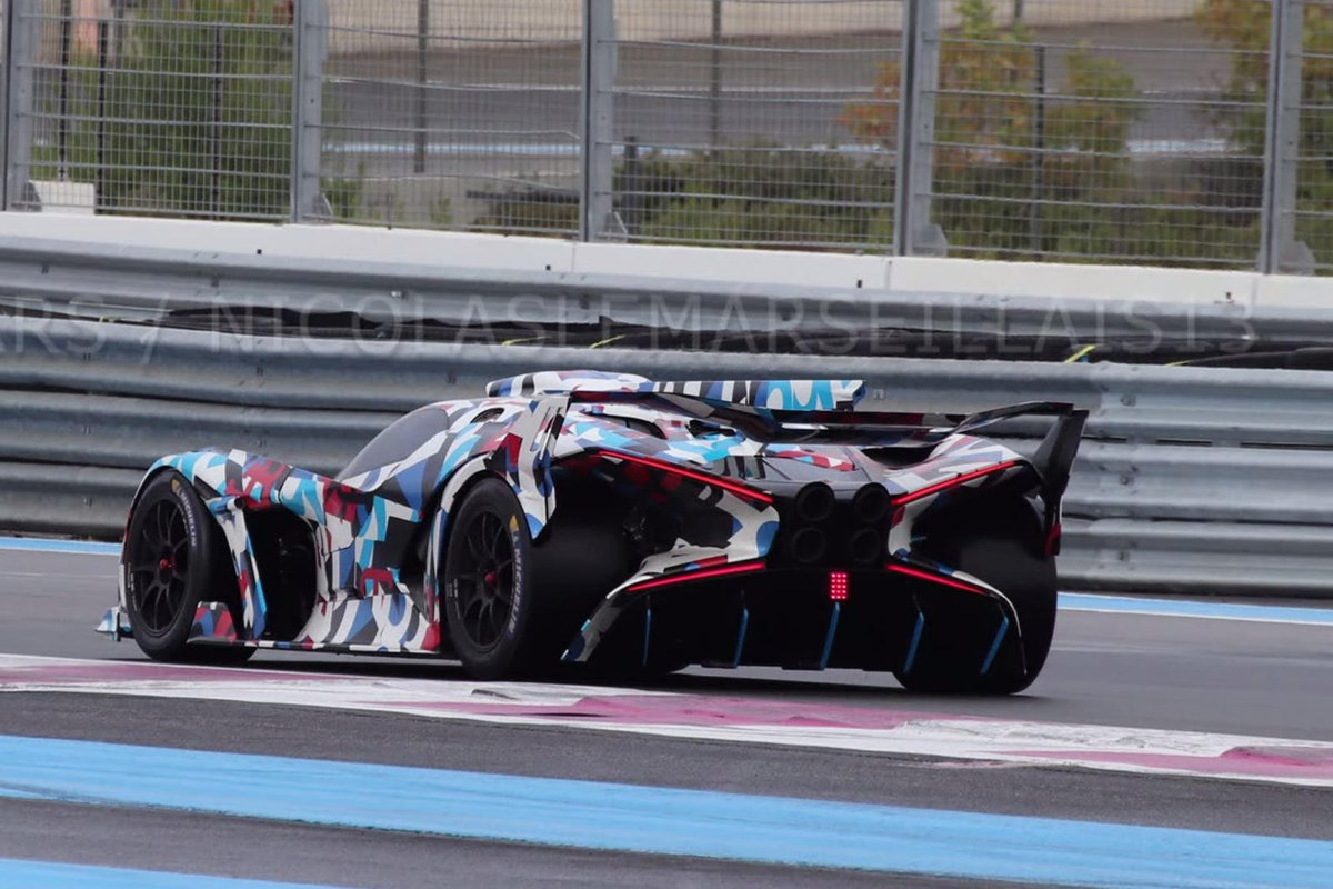 Bugatti's New X-Wing Hypercar Doesn't Look Electric. In fact, it doesn't look like anything we've seen before. #spyshots #supercars #video Read: https://t.co/CGdpwICuaO https://t.co/GYfEPqhZAJ