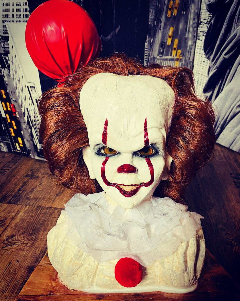 Reproduction de #pennywise #pennywiseedit #pennywisetheclown #pennywise🎈 #it #clown #red #redballoon #halloween #handmade #modelage #diy #diyhalloween #rouge #horreur #filmdhorreur #horrormovies #horrorart #horror #stephenking @it_pennywise_fanpage @evilclownpennywise https://t.co/4iAxiFjca2