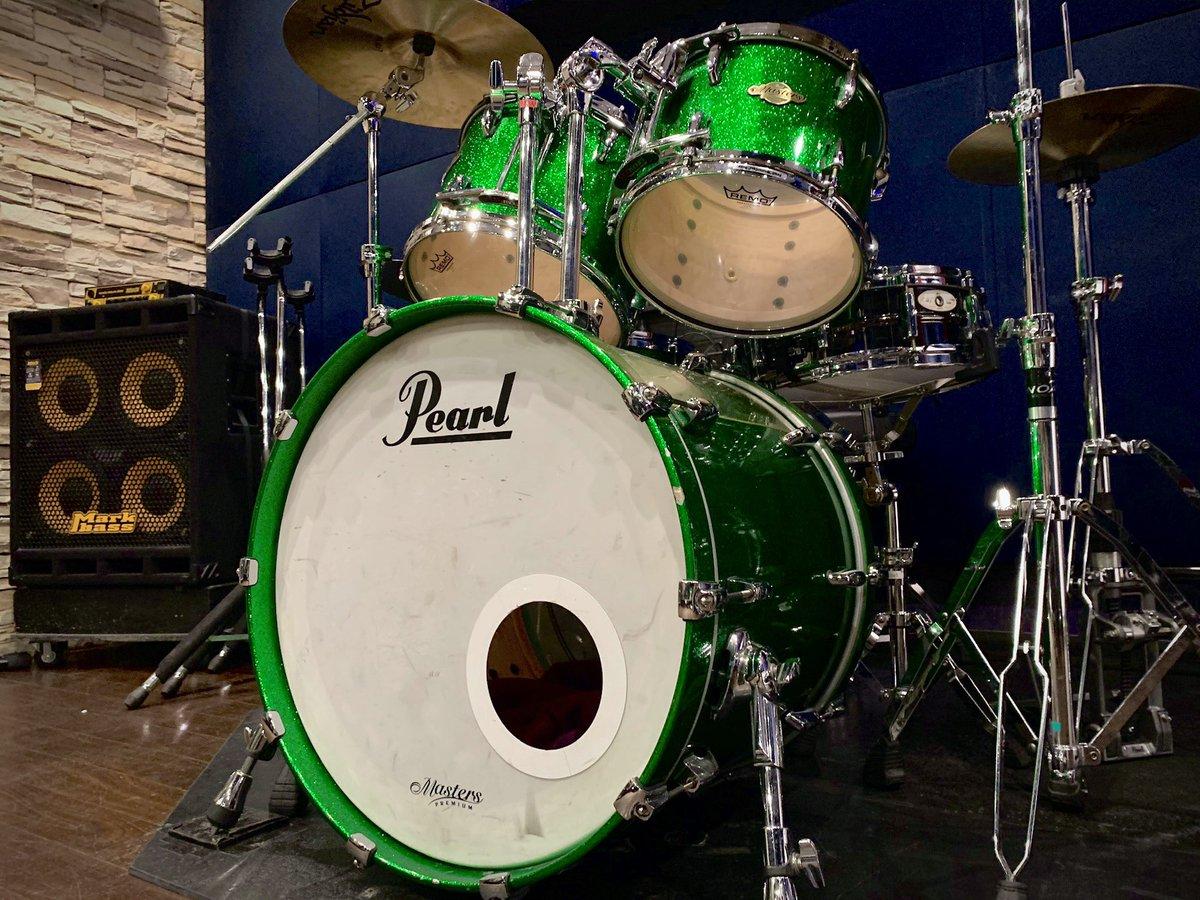 A3st(9帖) #pearl Masters series  ドラムの王道Pearlのドラムセットの入っているスタジオです! ドラムの種類で悩んでる方はこちらで間違いなしかも?  ドラムの種類も豊富ですのでレコーディングにも是非(・д・)  #studionoah #drums #ドラム #recording #rec https://t.co/SSekPKmz9Z