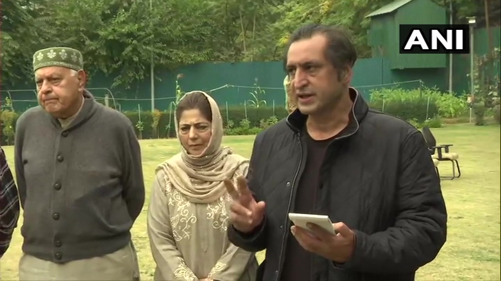 Farooq Abdullah to be president & Mehbooba Mufti the vice-president of 'People's Alliance'. A document will be prepared within a month via which we'll present facts behind the lies that are being propagated. It'll be a tribute to people of J&K who are being slandered: Sajjad Lone https://t.co/b9oEqqAi0W https://t.co/BIomKAtamf
