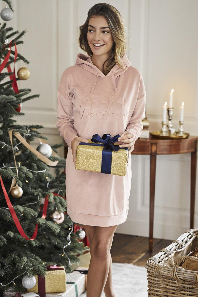 Hello Weekend velour dress is just what you need to unwind on those chilled weekend mornings. Available in sizes 8-22  #HelloWeekend #HappyFriday #friyay #FriyayVibes https://t.co/5IjmVDn3uJ