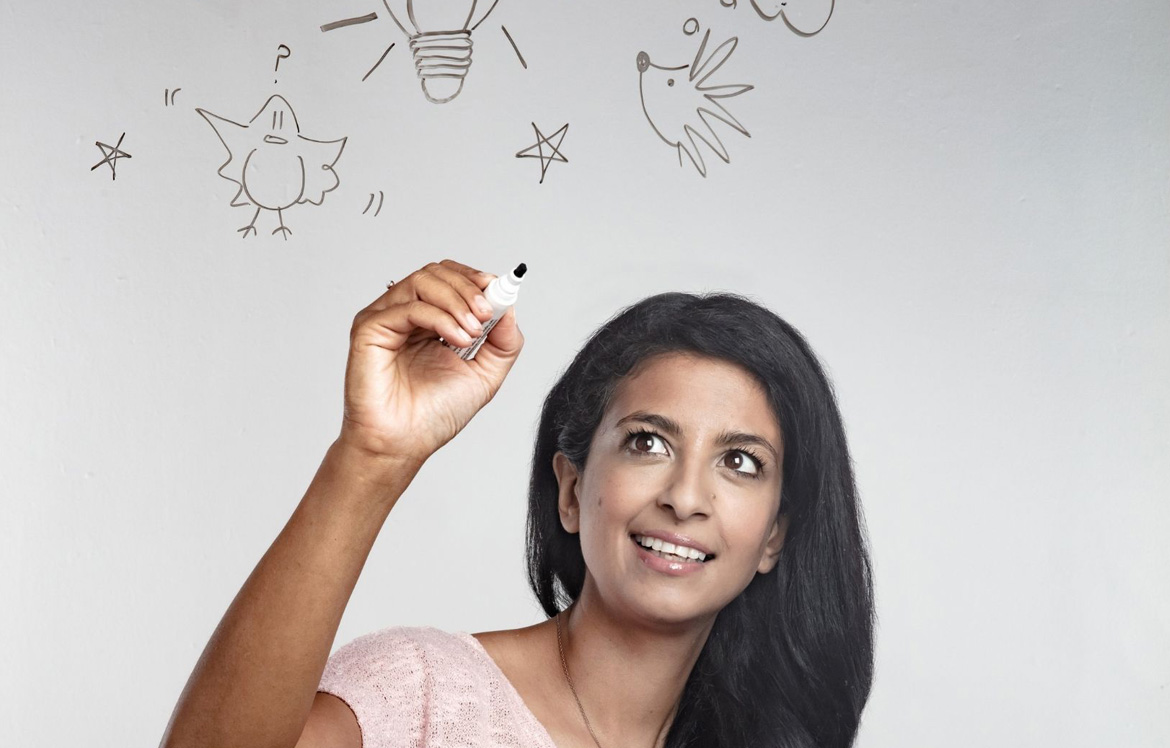 📖✍️💦 Join former Blue Peter presenter @Konnie_Huq on the main stage for storytelling, drawing and some very special water experiments in just over an hour.  📆 Today ⌚ 2.30pm-3.30pm 🎟️ Free 💻 https://t.co/PuIMyligdW  Suitable for ages 7-12  #SwanseaSciFest https://t.co/VHPCMhRGpg