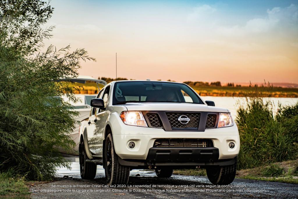 El camino siempre es fácil cuando la #NissanFrontier tiene un remolque de hasta 6,640 libras. https://t.co/vjuRLvGkcV