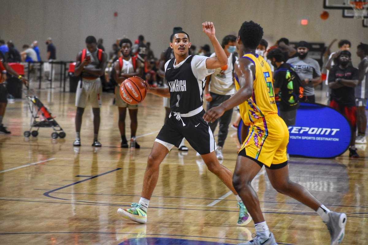 I've thought for a couple years now that @georgepridgett2 is one of the more underrated prospects in Ga's 2021 class. Really good passer, unselfish. Crafty scorer with range on his jumper. Tough on-ball defender, instinctive off ball. Jacksonville shouldn't be his only D1 offer. https://t.co/ZczQkniZ1U