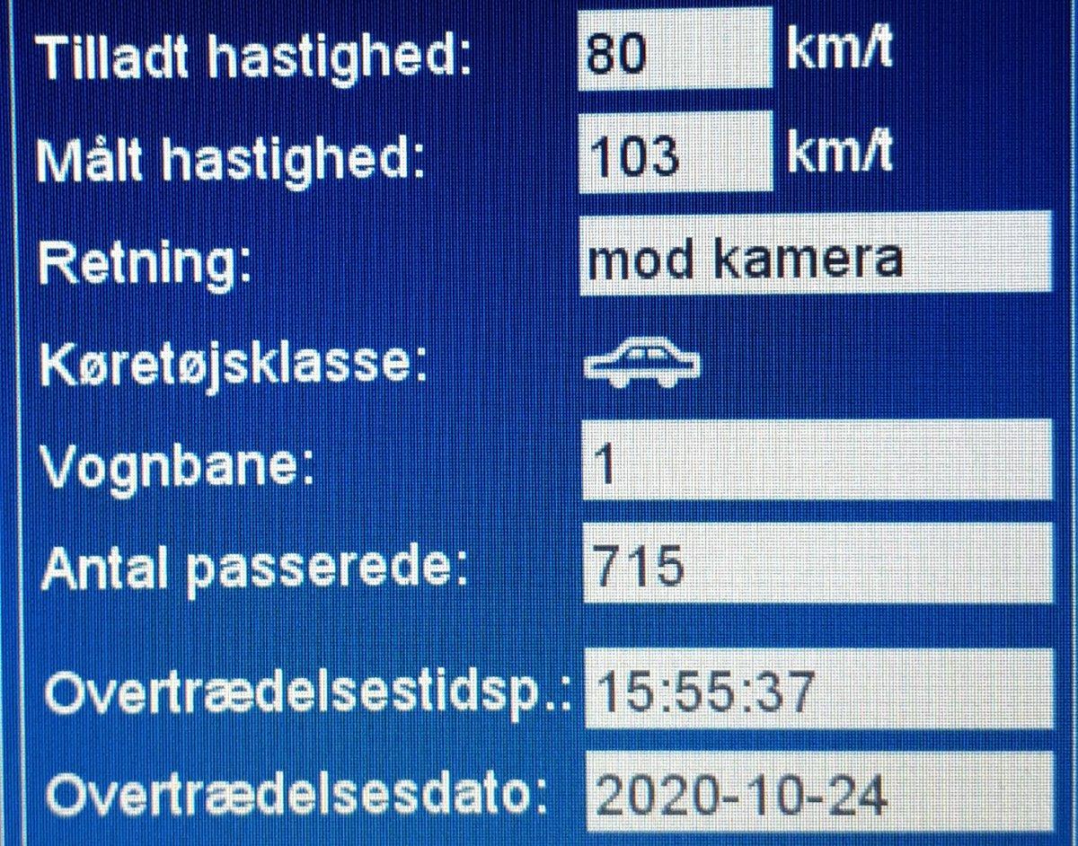 ATK har i dag målt på vores faste fokusstrækning Lunderskovvej i Vejen kommune. Desværre måtte vi blitze 21 bilister som havde for travlt, så de får en kedelig hilsen i E-boks. Sænk farten og hjælp alle sikkert frem, vi kommer igen #atkdk #politidk https://t.co/LaZtmRsTf9
