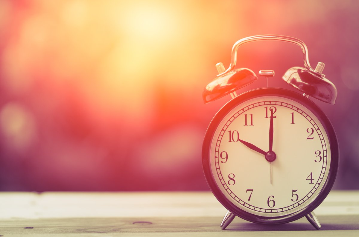 Clocks go back tonight - what will you do with the extra hour? Here are some ideas from the SW team: Read a book 📖 Clear out your wardrobe Make a start on an assignment✍️ Plan next week's goals Exercise 👟 Pumpkin carving 🎃 Knit/crochet Bake 🍰 Take a walk along the seafront🌊 https://t.co/lgkA6ANzEJ