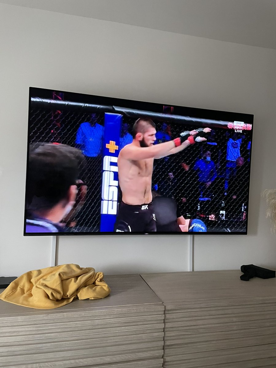 #UFC254 https://t.co/NVNh3oZAOS
