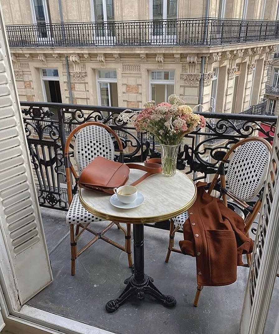 Wishing we were spending our afternoon on a balcony in Paris 💭 #repost: @lapetitevannetaise Visit the Fall Shop: https://t.co/uP5ESYR8ml https://t.co/QdNDELpcaI