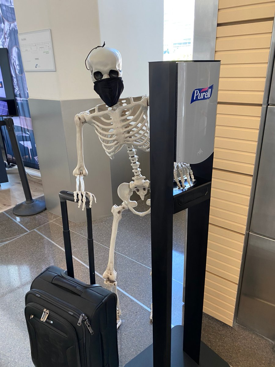 Red wants to remind you to wear a face mask, keep 6 ft. away from others, wash your hands and use hand sanitizer!  There is a vending machine located on the main floor if you need a face mask or PPE supplies.   #RedSkeletonICT #AirportTwitter https://t.co/rmaBlzHdfr