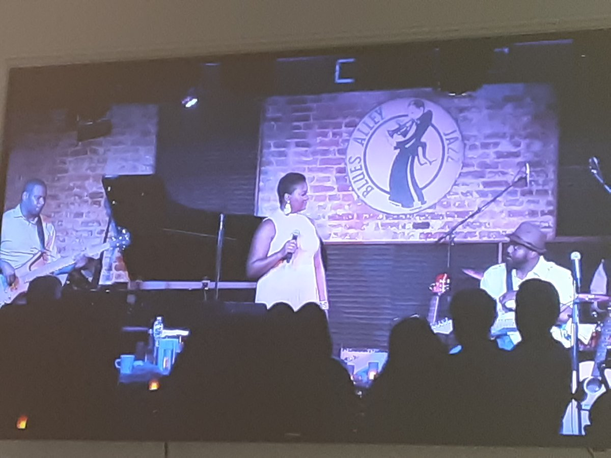 #HAPPENINGNOW #TakeTheHBCUSmartChallengeTM by supporting our nation's #HBCUs! #HBCUvHC2020 @HBCUSmartTV @TamaraWellons @BowieState Alumna performance from the #BluesAlley https://t.co/soFaE0idHh