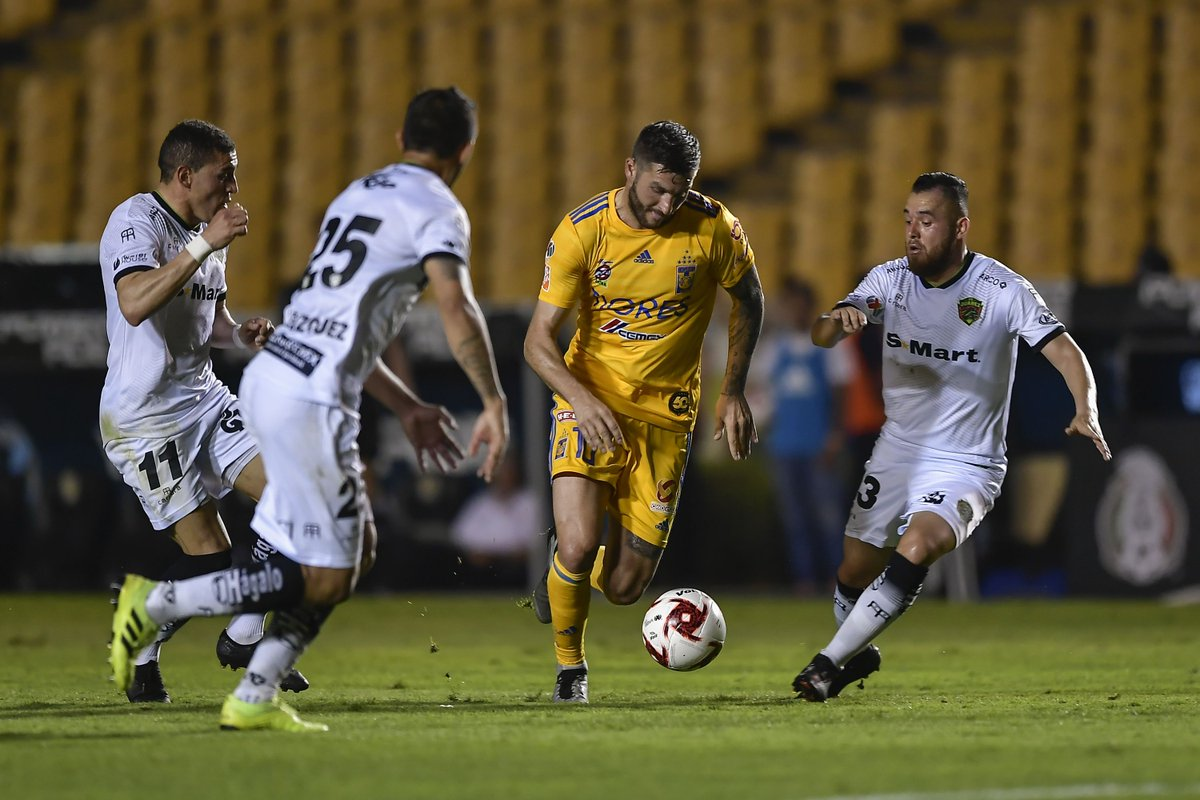 After watching last week's performance by FC Juárez vs. Mazatlán, it's tough to see them compete in any way vs. Tigres, one of the league's two hottest teams at the moment.  #LigaMX #LigaMXEng #Guard1anes2020 #EstoesTigres #FCJuarez @tigres_english https://t.co/7BXBPIdmFa https://t.co/4XHdvtlQ4D