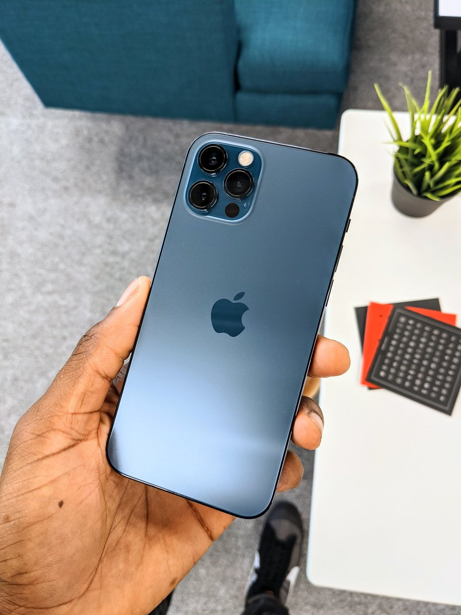 Pacific Blue is the best new iPhone color. That is all. https://t.co/s4Kgps1KVz