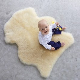 Cozy, soft & gorgeous! Our luxurious New Zealand sheepskins and baby sheepskin rugs are perfect for your home, baby play time, or lounging at chukkas.    Shop now: https://t.co/Y1EBjeZ9J7*  #womenspolo #tailshotp #nzwool #poloponies https://t.co/NnQbDWIDwl