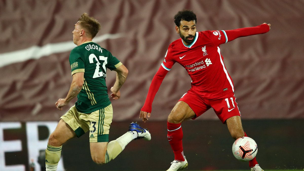 53' TAA's corner is cleared to the feet of Mo Salah - his left-footed effort curls over the bar.   Burke replaces Brewster for #SUFC.   [1-1]  #LFC | #LIVSHU https://t.co/BgQt0HeVmj