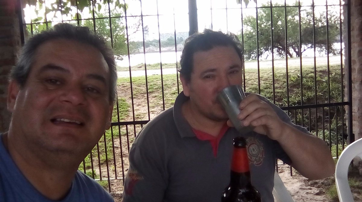 Mirá @tanoproductor como estamos en Alto Verde, Santa Fe, la tierra de Horacio Guaraní. Porrón, río, puerto, Cumbia y Colón de Santa Fe https://t.co/MexXALv289