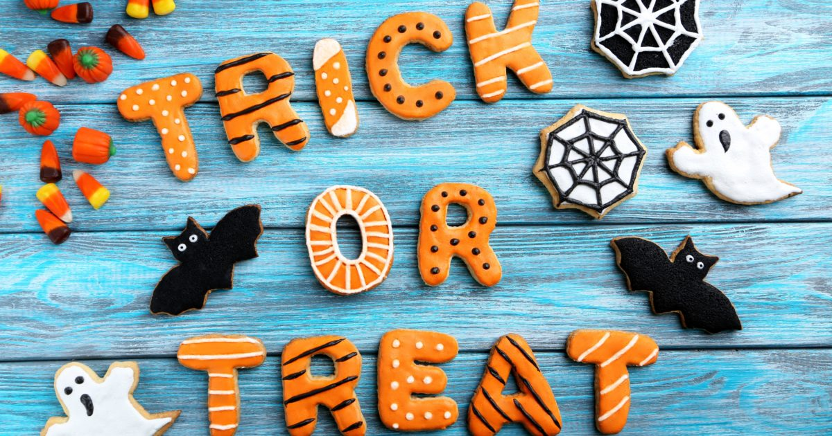 17 Tips to Save Money on Cheap Halloween Candy for Trick-or-Treating https://t.co/mFH2cxddrA #FamilyHome #Kids https://t.co/MzOOZv8MbS
