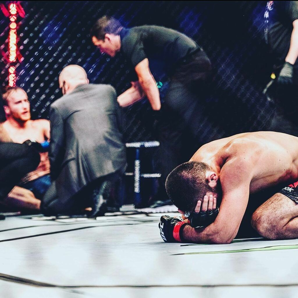 A great Champion retires! ✊  #mmaworkout #mmaworld #mmafights #fightnight #mma #ufcfightnight #ufcfightisland#yasisland #ufc #bjj #bjjlifestyle #bjjtraining #bjjfamily #bjjgirls #bjjlife #bjj4life #groundandpound #bellator #grappling #wrestling #sambo #mmaontwitter https://t.co/qimAukYqUY