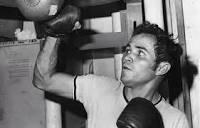 #Boxeo 🥊 || Hoy #24Oct, hace 71 años, nació en Maracaibo el extriple campeón del mundo #AMB y #CMB, Betulio Gonzalez. https://t.co/g8zwrwZiK6
