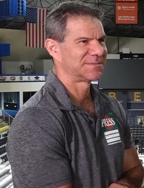 Happy 61st birthday to long time journalist and pro wrestling historian Dave Meltzer. Dave was honored by the CAC in 2017 with the James C. Melby Historian Award. Enjoy your day Sir. https://t.co/Ew7D3XDzpc