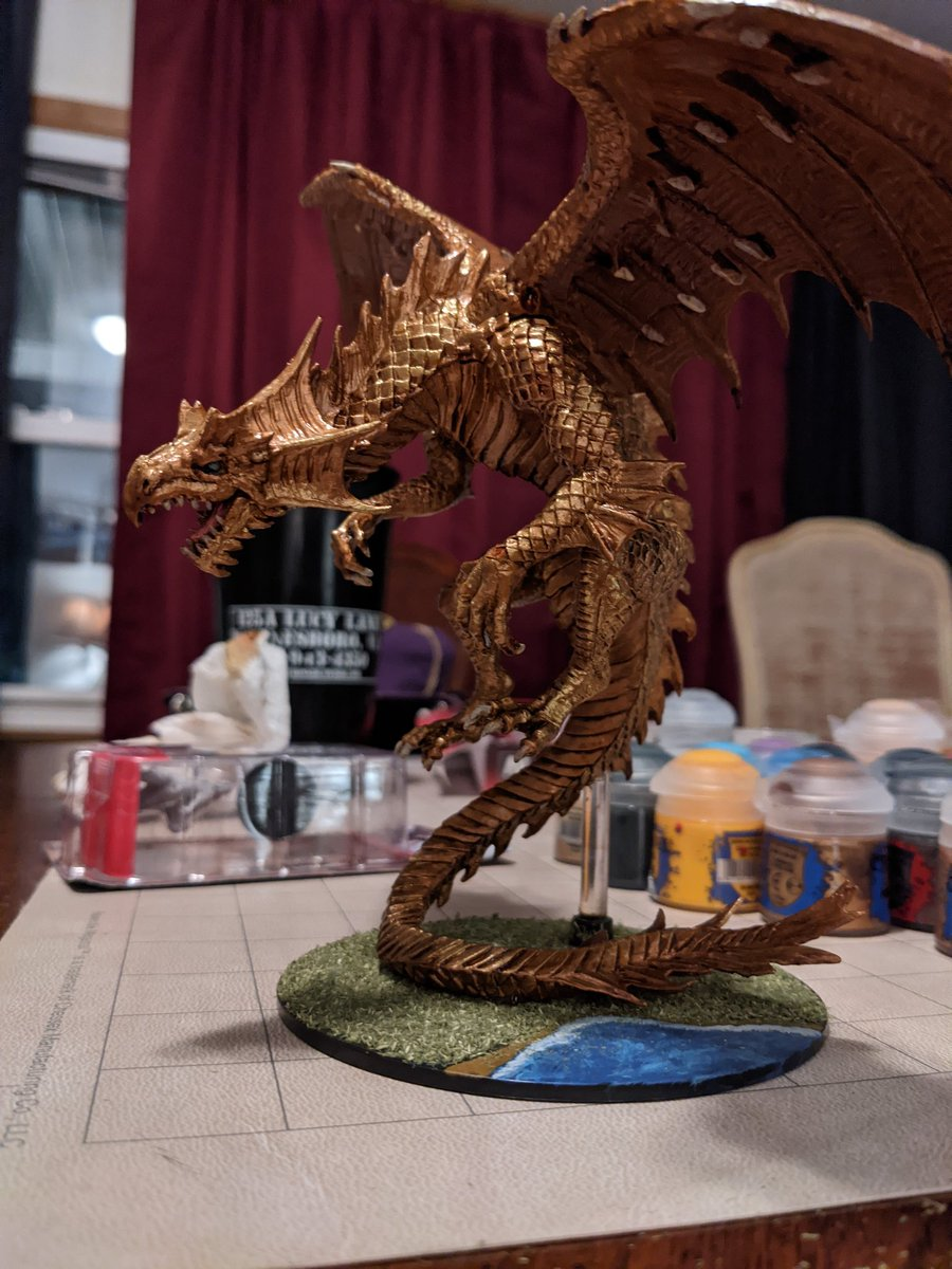 Meet Elnakal'darakthan, the golden dragon of my world! #DnD #dnd5e #Dragon #painting https://t.co/iuWkiePIvW