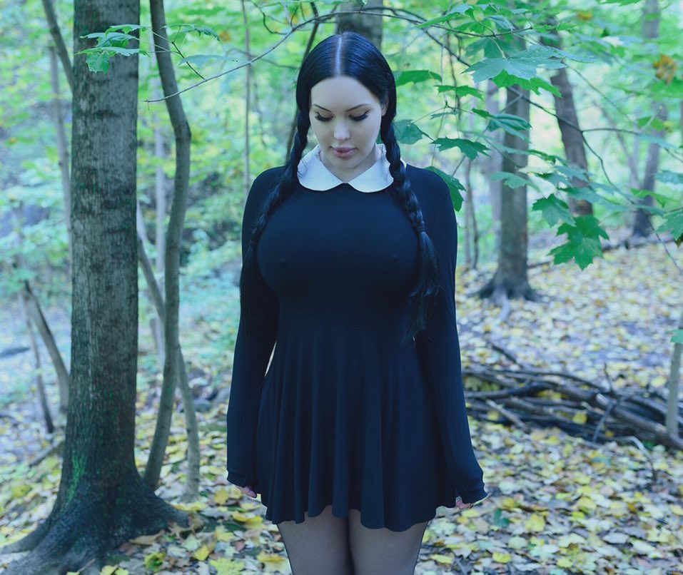 More Wednesday Addams and lots more content on my OF for only $3.  https://t.co/wvf8AIR4aM https://t