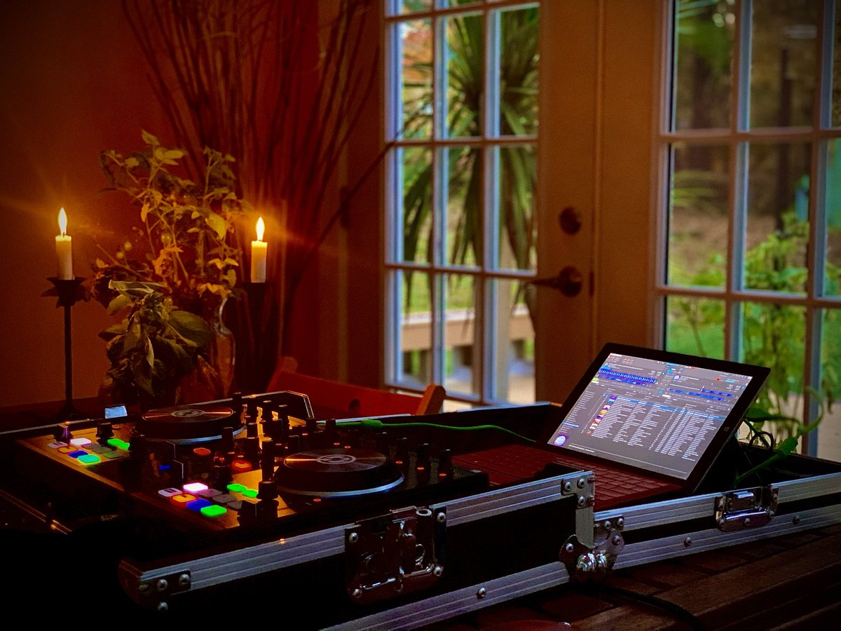@NI_News weekend mix sessions provide a welcome escape from c19, work and the stress of life. #inthemix #organichouse https://t.co/SCAH8q2OiA https://t.co/xlp2abCUpi