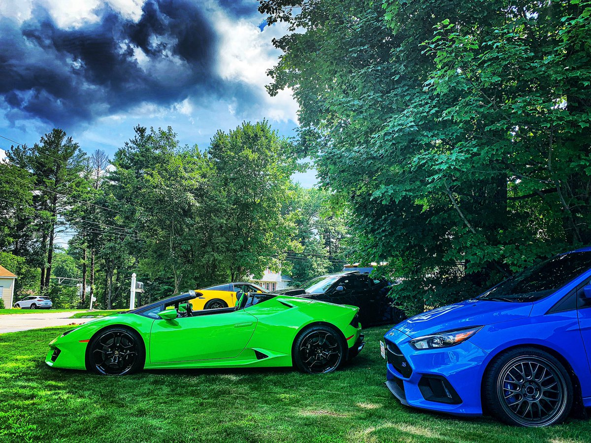 A splash of blue, in a sea of green, with a hint of yellow on black. 🧐✌️ @lamborghini #lamborghini #lamborghinihuracan #huracan @jasontoms7 @ford #ford @fordperformance #fordperformance @fifteen52 #fifteen52 @mission_22 #mission22 @mission22rally @chevrolet #chevrolet @vidtrix https://t.co/eKZmAsBtt6