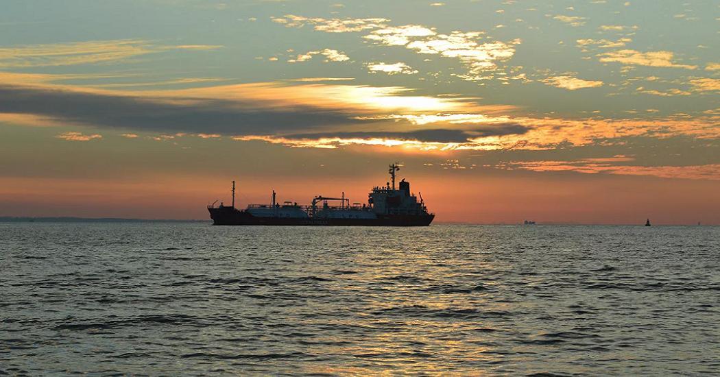 Опубликованы переговоры экипажа взорвавшегося в Азовском море танкера https://t.co/TVTBYQN4RZ #Rusmk #Новости #Политика #СМИ #Происшествия #Катастрофа #Авария https://t.co/RA800LT8Az