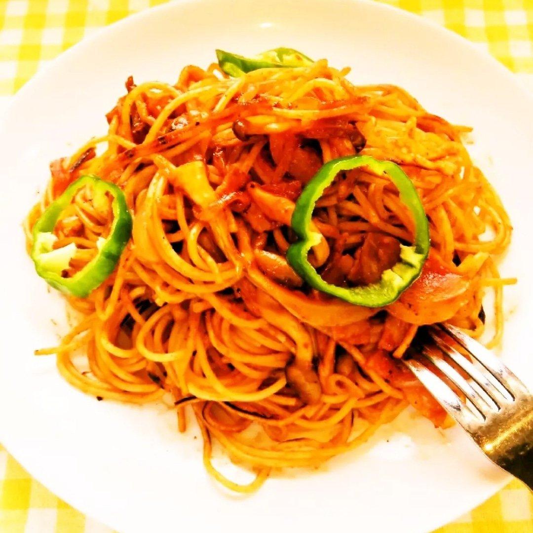 クックパッドで公開してる私のレシピをご紹介♪☺新食感☆簡単♪パリパリ焼きナポリタン☺ by hirokoh パリパリに焼いた香ばしいナポリタンです🍝#料理好きな人と繋がりたい#Twitter家庭料理部#お腹ペコリン部#おうちごはん#クックパッド#cookpad#ナポリタン#ランチ