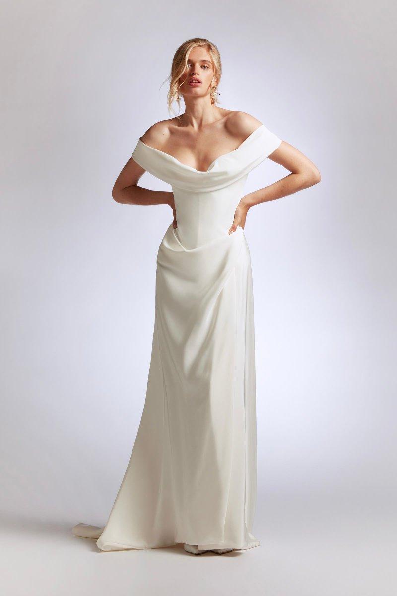 「ヴィヴィアン・ウエストウッド(Vivienne Westwood)」の2021年ブライダルコレクション。