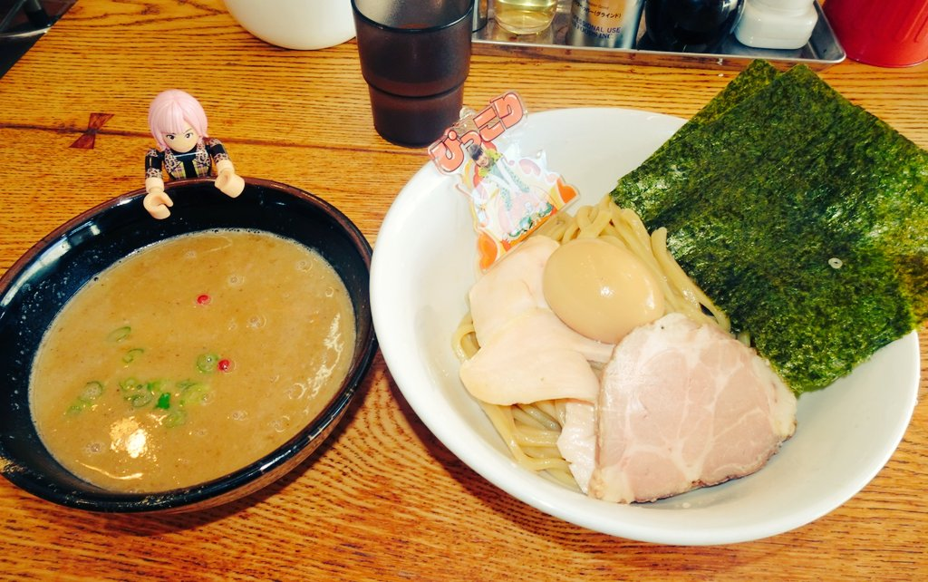 今日のウヒョ〜 #谷 #麺 一麺托生さんの特製つけめん🍜 https://t.co/EzsaSoLhAB