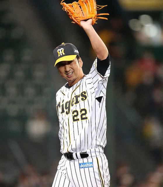 【サプライズ】巨人が粋な計らい、阪神練習時に藤川の登場曲 東京ドームでは最後の対戦突然の演出に、藤川は驚いた様子。「嬉しいですし感激です。ジャイアンツさんに感謝ですね」と語った。