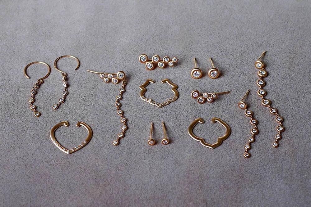 トーカティブ新作ジュエリー「パフ」ゴールド×ダイヤモンドの繊細なピアス、紋様モチーフのイヤーカフも -