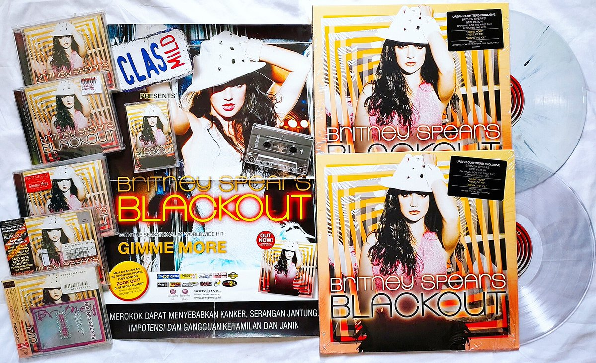 13 Years Ago! @britneyspears 'Blackout' album was released on October 25, 2007! 🎩  #BritneySpears https://t.co/QQLY2hoBCg