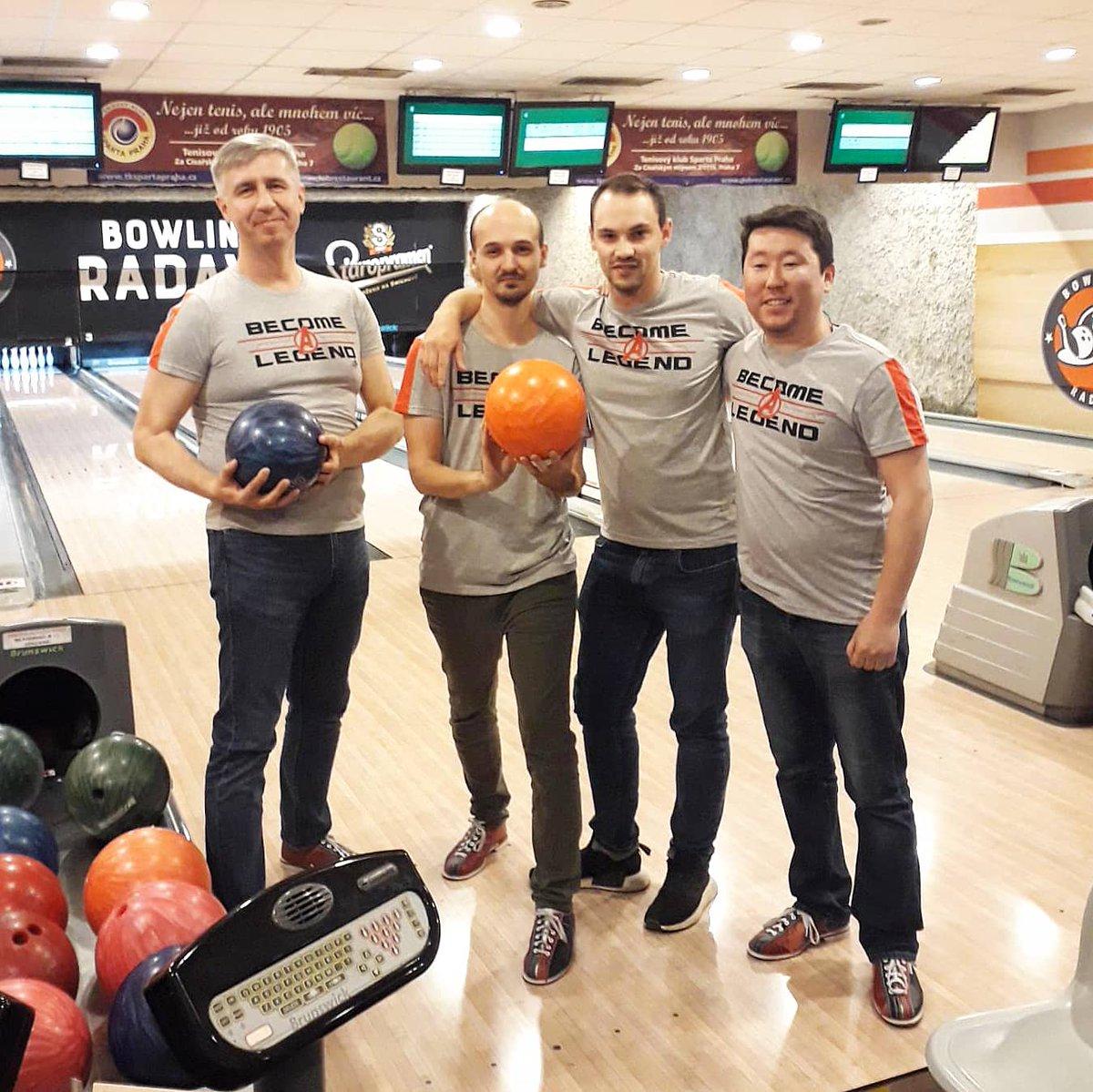 Throwback to #Bowling night 🎳  #team #avengers #legends #game #playtime #teamwork #fun #bowlingtime #strike #sport #bowlingshirts #friends #match #radava #prague #techcrew #apollodivision🚀 https://t.co/mwAorgMDSn
