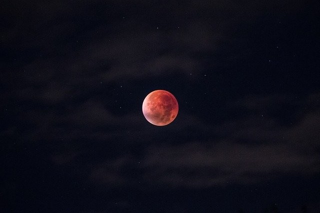 Photo By Free-Photos | Pixabay - via @Crowdfire    #lunareclipse #bloodmoon #moon #satelite #spacescience #scienceandnature #phenomenon #blood https://t.co/ueWUV1MhZx