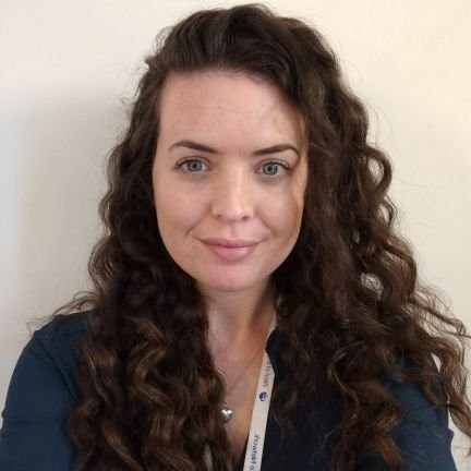 #NotAllParamedicsWearGreen  @paramedicjoanna is a Senior Project Manager with the @WEAHSN   #DeterioratingPatient programme #PatientSafety #Healthcare #QI #Handover   @LinkedIn - https://t.co/nZz9gPxVHu https://t.co/7U0Gjl6T7z