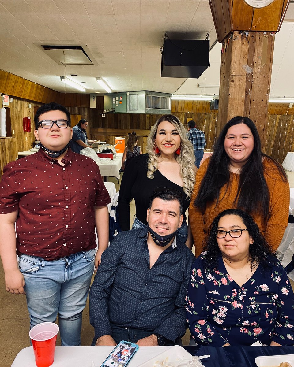 love my family...#God #family #famila #Trump2020 #DallasCowboys #faith #music #SundayMorning #FoxNews #mustang #composer #guitar https://t.co/4p72v4Bunn