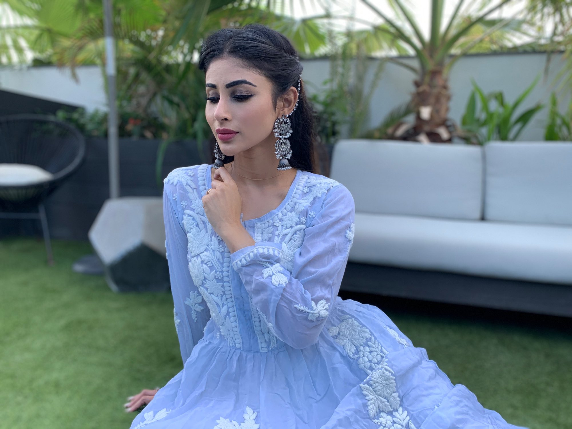 mouni roy looks so beautiful with her latest picture- newsdezire