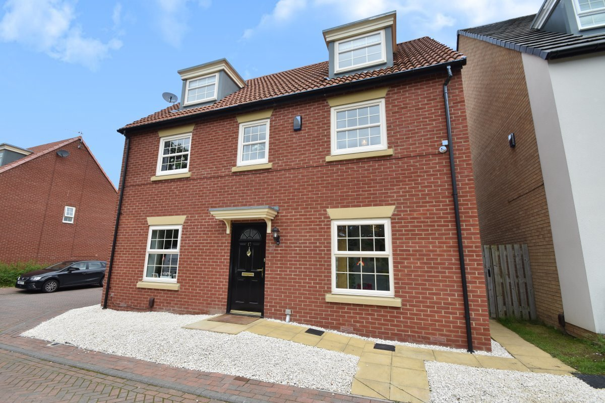 ***FOR SALE***OIEO £360,000***RENISON COURT, COLTON***A substantial five bedroom detached family home located on Renison Court in the sought after location of Colton: https://t.co/XklEIrkbMK  #propertyforsale #detachedhome #familyhome #colton https://t.co/GMXn0jaidc