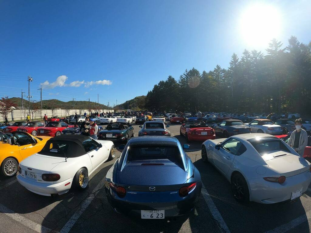 広角レンズで! #軽井沢ミーティング #mx5 #nd5 #roadster #roadsterrf #mazda #ロードスター #マツダ #rf #rs #cool #drive #japan #長野 https://t.co/X7euV8loXx https://t.co/Q2GDplg6Ib